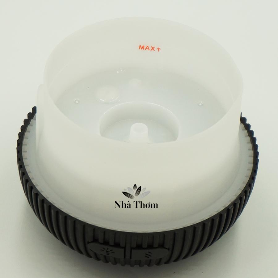 Khoan chứa nước máy khuếch tán tinh dầu lồng đèn đen